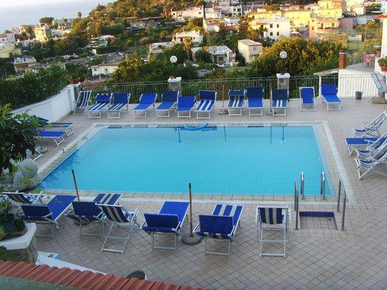 Hotel Country Club: la piscina più grande