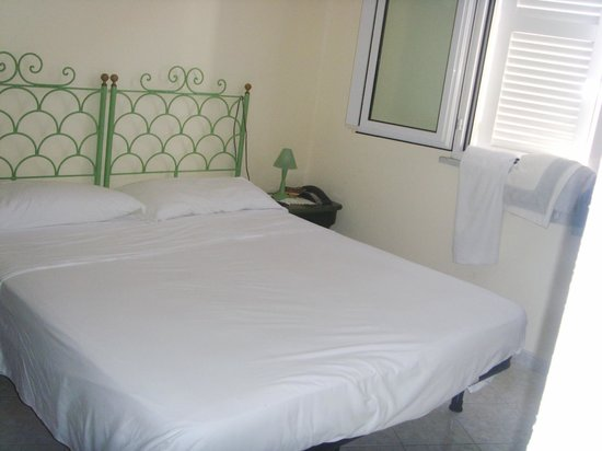 Hotel Country Club: il letto