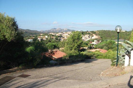 Park Hotel Cala di Lepre & Spa: vue des chemins de l'hotel