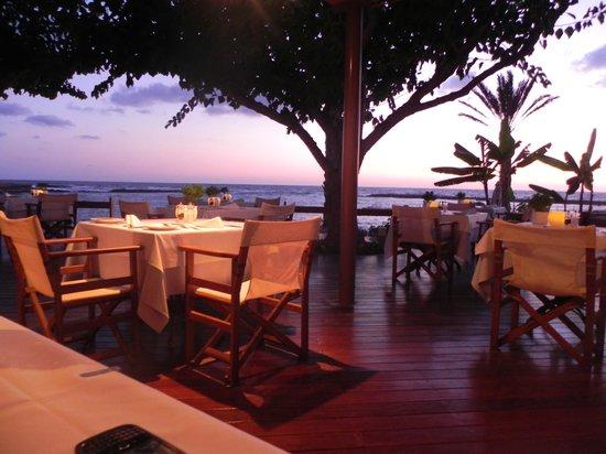 Constantinou Bros Asimina Suites Hotel: Kymata restaurant