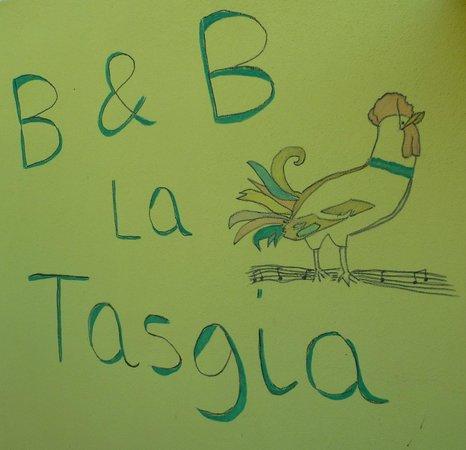 B&B La Tasgia: sulla parete all'ingresso