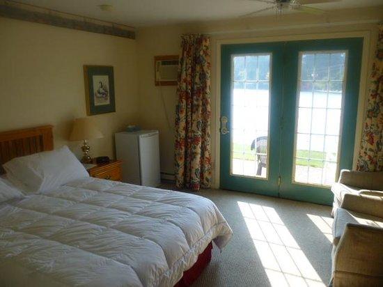 Algonquin Lakeside Inn : Raum11
