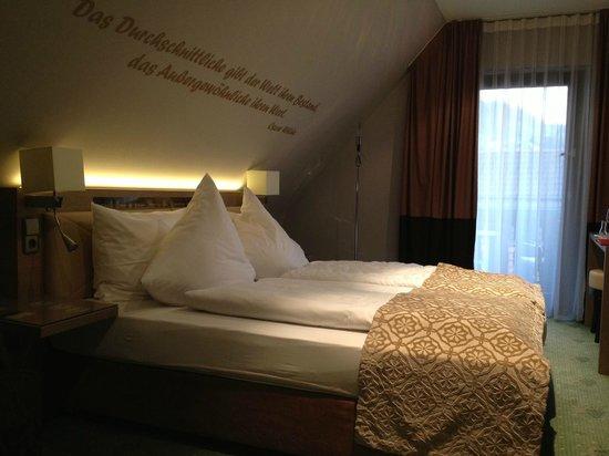 Hotel Traube : Hotelkamer