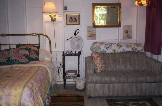 Doll House Bed and Breakfast at Sandbanks: Inside Gnome Cottage, double bed & single pullout