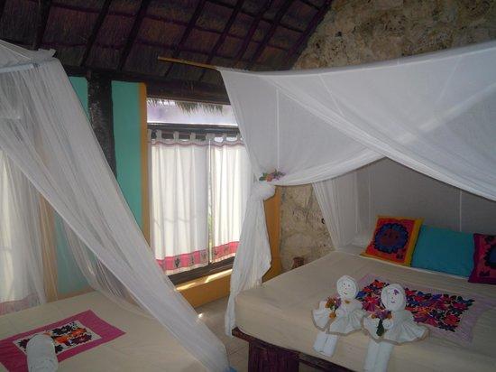 Hemingway Eco Beach Resort: interni cabanas
