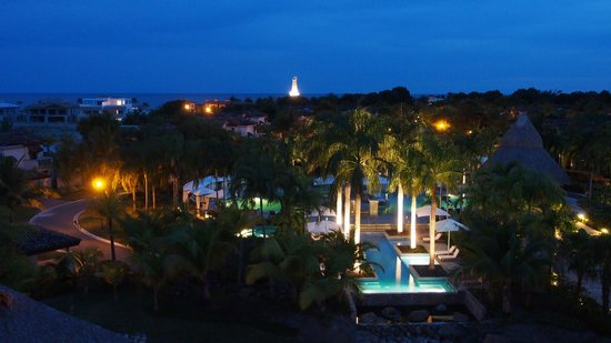 The Buenaventura Golf & Beach Resort Panama, Autograph Collection: Overlooking the pools