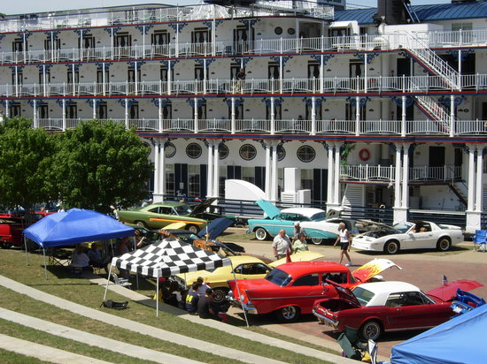 Yearly Heritage Port July Car Show With The American Queen Picture - American heritage car show