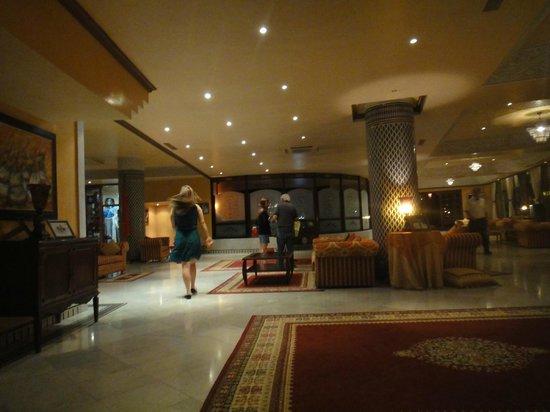 Les Merinides: Lobby do Hotel