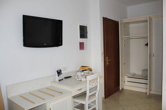Hotel Sovrana: Camera