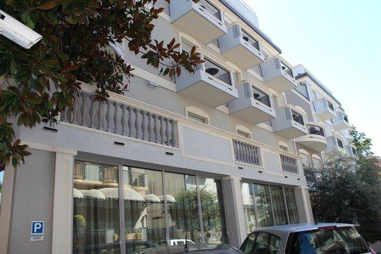 Hotel Sovrana : Facciata Hotel