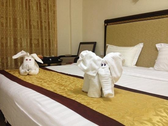 Cedar Hotel: Decoration