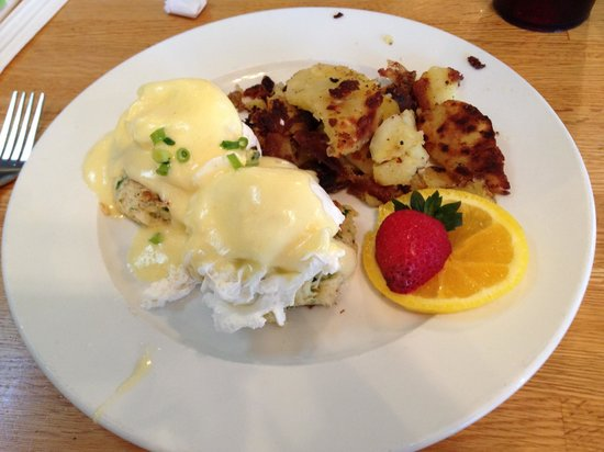 Sunflower Bakery and Cafe: Crab Cakes and Eggs Benedict $12.95