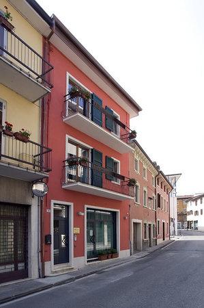 Casa Citella - Guest House: Strada Con facciata!!!
