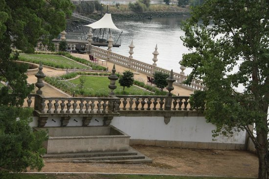 Pestana Palácio do Freixo : Hotel jardin