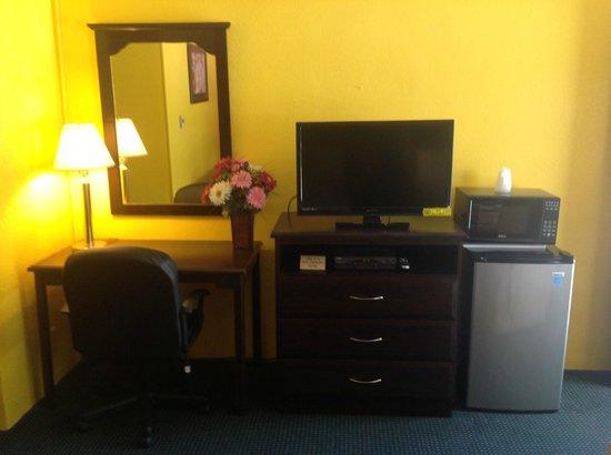 Holly Motel: Inside room