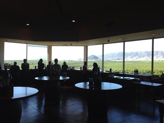 San Luis Obispo, CA: Great view from the tasting bar
