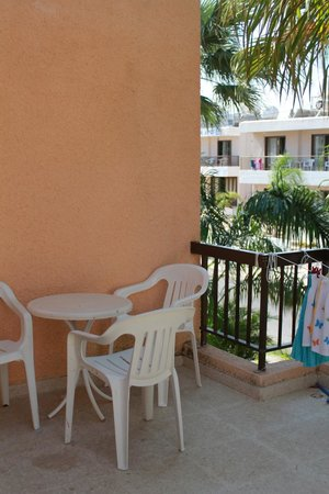 Maricosta Apartments: Балкон