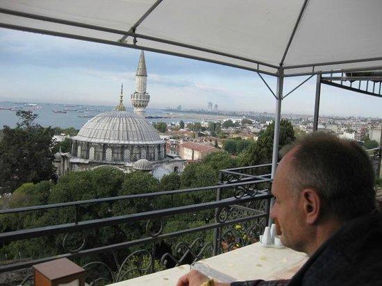 Ada Hotel Istanbul: Desayuno en la terraza