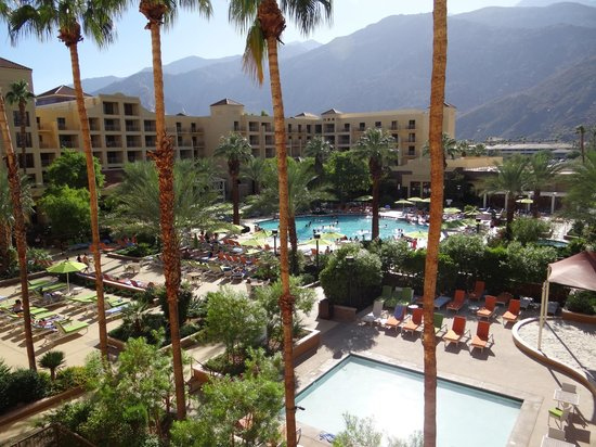 Renaissance Palm Springs Hotel: View from our balcony