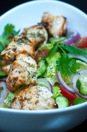Maimana Naan & Kabab Restaurant: Chicken Breast Salad