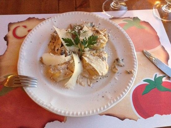 Capricci: mushroom and cheese filled pasta