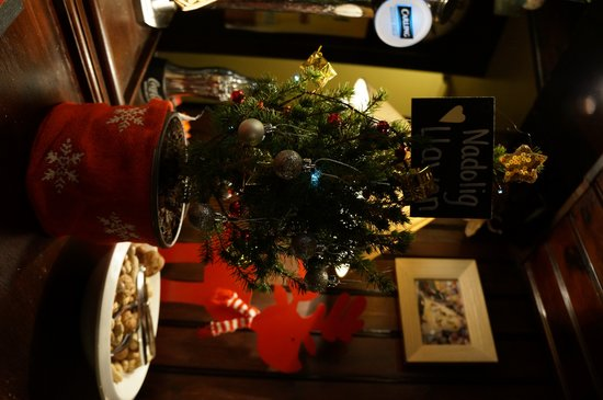 Red Lion: Festive time