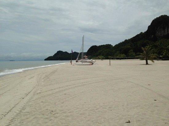 Four Seasons Resort Langkawi, Malaysia: Strand ohne Ende