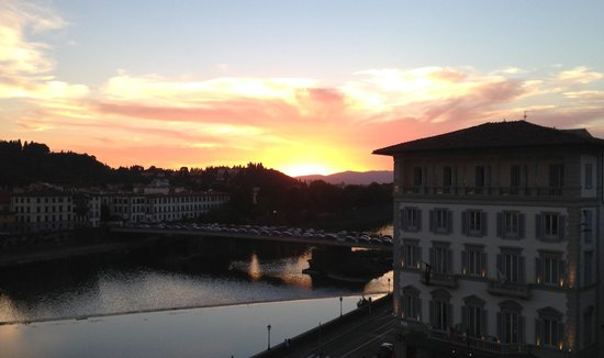 The Westin Excelsior Florence : Gorgeous sunset view from our Room