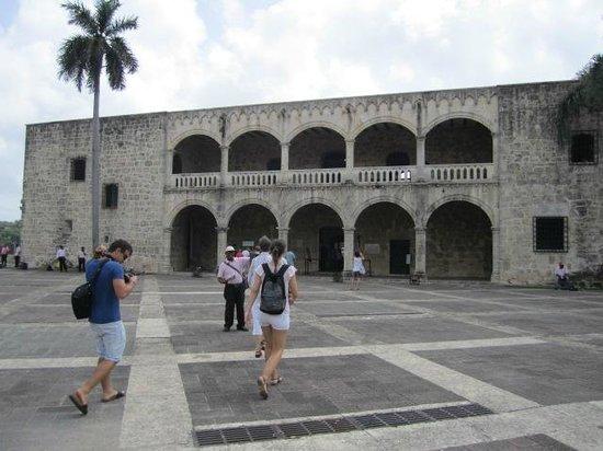 Rep Dom Tours: Alcazar de Colon