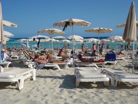 Atlantica Aeneas Hotel: fabulous Nissi Beach