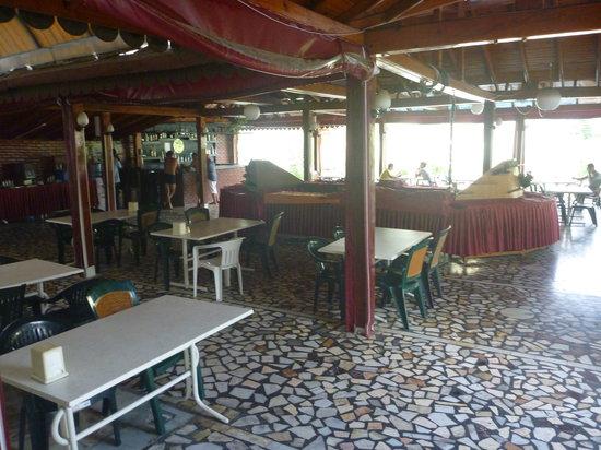 Kami Hotel : restaurant