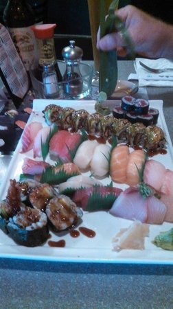 Tomo: Sushi Platter for two