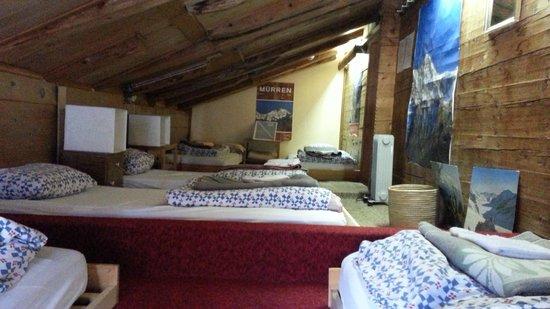 Pension Gimmelwald: Dorm room for 6