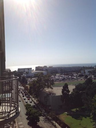 Le Meridien Delfina Santa Monica : view from balcony