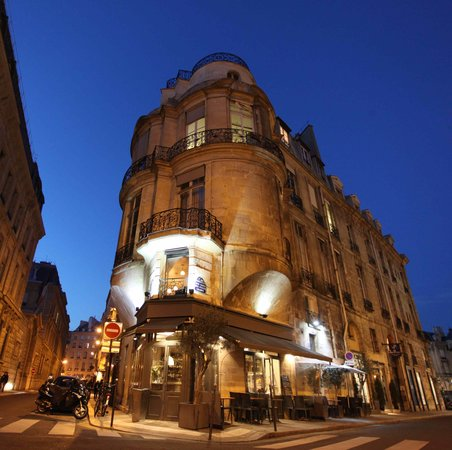 Photo of French Restaurant les fines gueules at 43 Rue Croix Des Petits Champs, Paris 75001, France