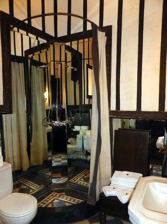 Riad Dar Darma: another bathroom