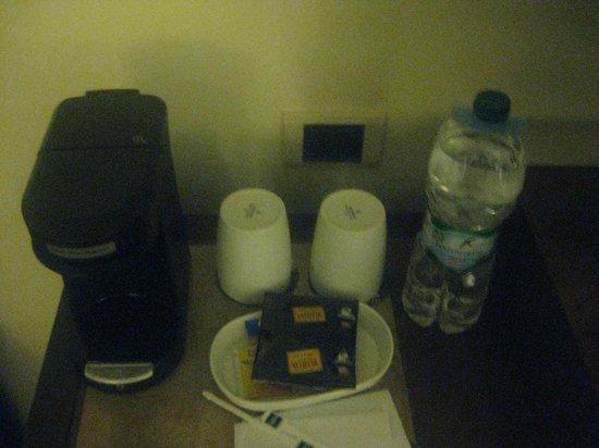 GHL Hotel Capital: cafeteira do quarto