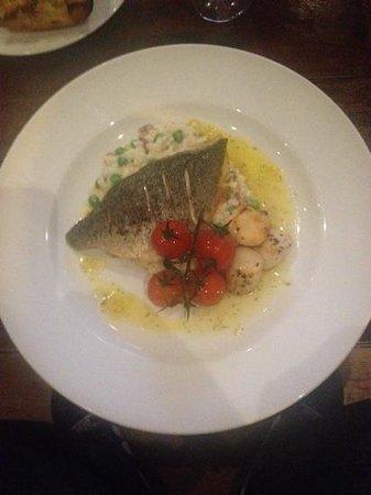 The Gladstone Arms: sea Bass, scallops, pea & pancetta risotto, roasted tomato