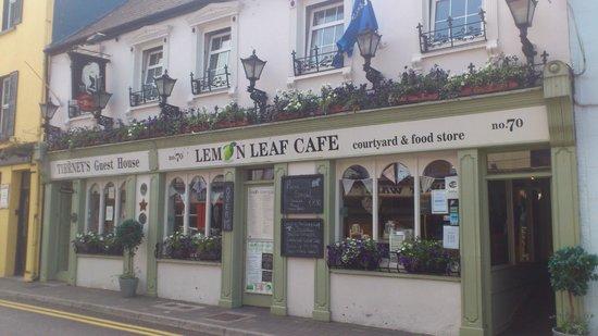 The Lemon Leaf Cafe: Street view of Lemon Leaf Cafe