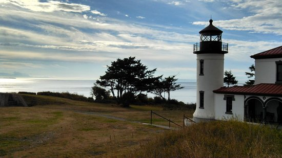 Fort Casey State Park : Oh To Live in the Lighthouse Keeper's Cottage!