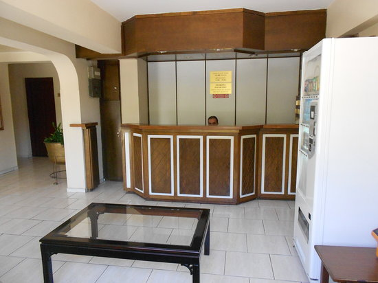 Denis Hotel : Reception 2