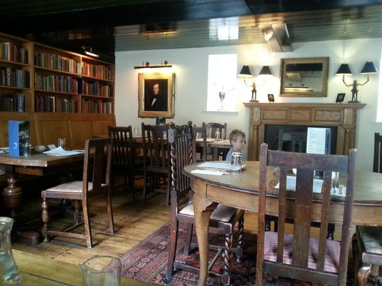 The Ship Inn: Library upstairs