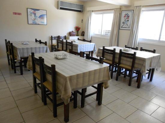 Denis Hotel : Breakfast Area