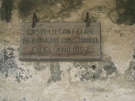 ปราสาทซานเฟลิปเปเดบาราจาส: placa