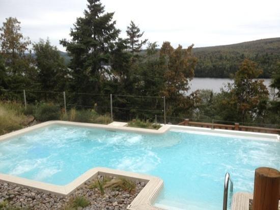 Hotel Sacacomie : le Spa a 38 qui domine le lac