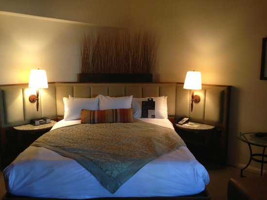 Rancho Bernardo Inn: Bed