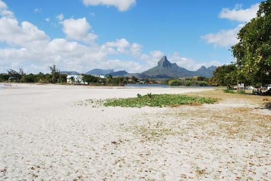 Four Seasons Resort Mauritius at Anahita: Public beach in a nearby town