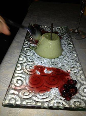Osteria Clo' Filomena: semifreddo al pistacchio