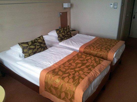 Hotel Sopron: Bett
