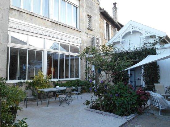 La Halte Montaigne : Courtyard